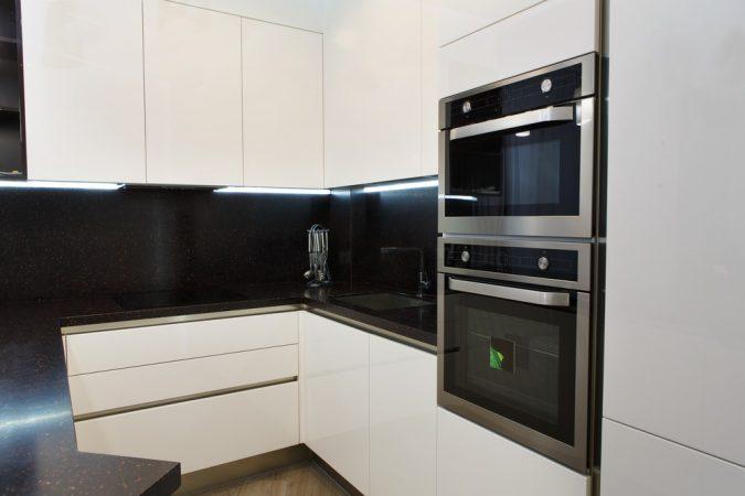 Дизайн кухні у стилі мінімалізм фото UrbanWood -10