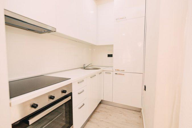 Дизайн кухні у стилі мінімалізм фото UrbanWood -6