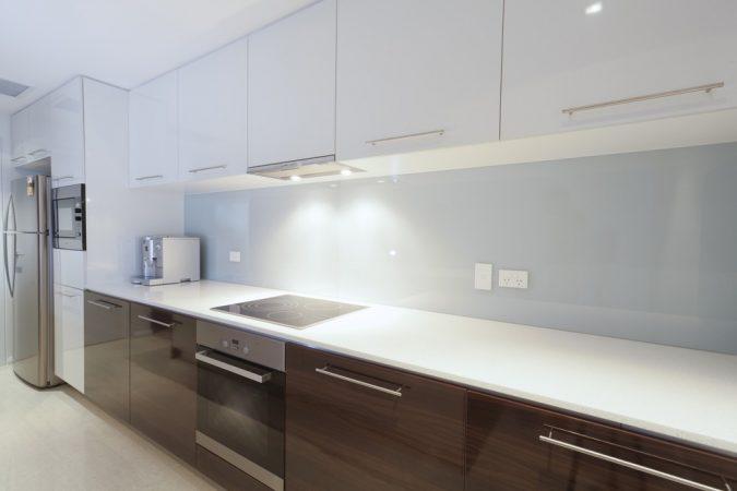 Дизайн кухні у стилі мінімалізм фото UrbanWood -9